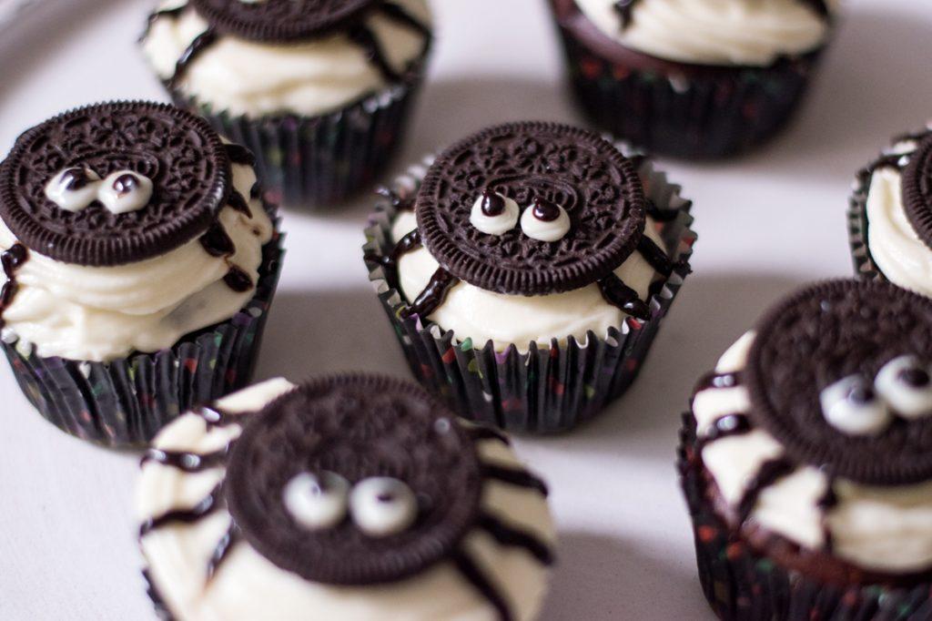 Oreo-Spinnen-Cupcakes